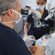 Andreas Hager, Zahnarzt Burbach Wurzelbeandlung mit Operationsmikropskop