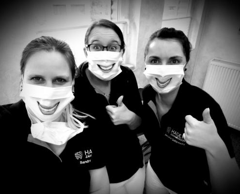 Zahnarztpraxis Andreas Hager, Burbach Mitarbeiterinnen mit Mundschutz