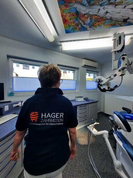 Making of der Praxisbilder Andreas Hager, Zahnarzt Burbach - Check: ist alles aufgeräumt